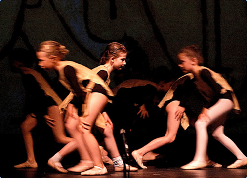 Besuch aus dem All - Tanztheater nach Bildern von Paul Klee Bild3